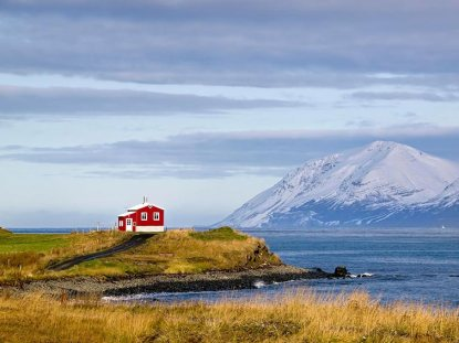 small-house-iceland